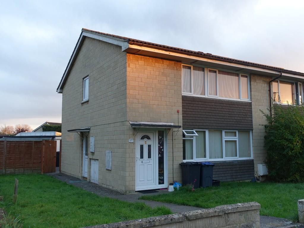 2 Bedrooms Flat for sale in Trowbridge, Wiltshire