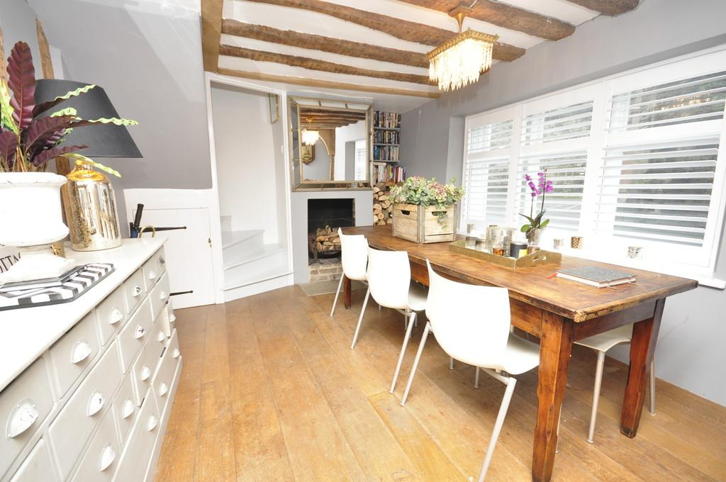 2 Bedrooms Cottage House for rent in North Street, Petworth