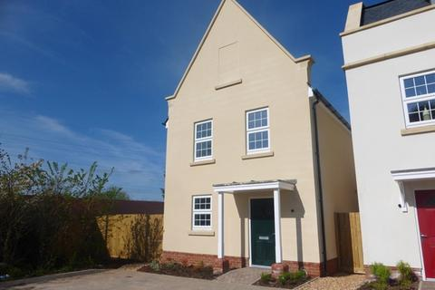 3 bedroom detached house to rent - A Beautiful 3 Bed, 3 Storey Family Home
