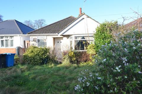 2 bedroom detached bungalow for sale - Alder Road, Parkstone