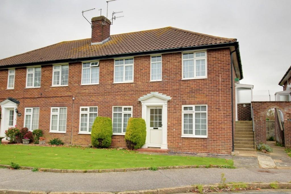 2 Bedrooms Ground Flat for sale in Gaisford Close, Worthing