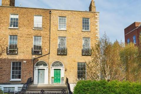 6 bedroom house  - 10 Mount Street Crescent, Dublin  2