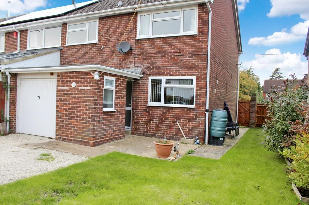3 Bedrooms End Of Terrace House for sale in Devonshire Gardens, Hythe, Southampton
