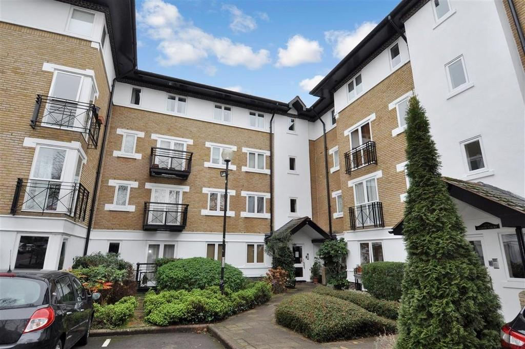 2 Bedrooms Flat for sale in Makepeace Road, Wanstead