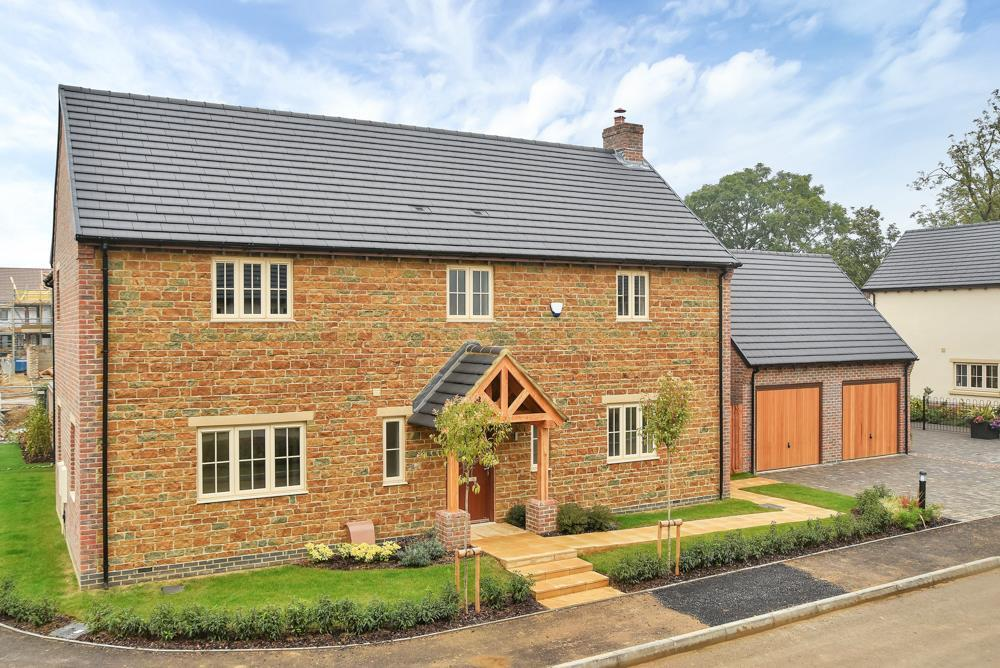 4 Bedrooms Detached House for sale in Broadgate, Great Easton
