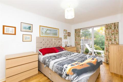 Flat share to rent - Avon Road TW16