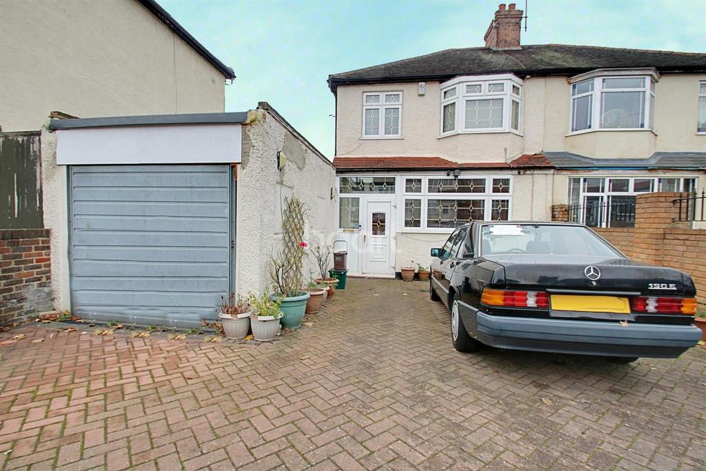3 Bedrooms Semi Detached House for sale in Stayton Road, Sutton, SM1