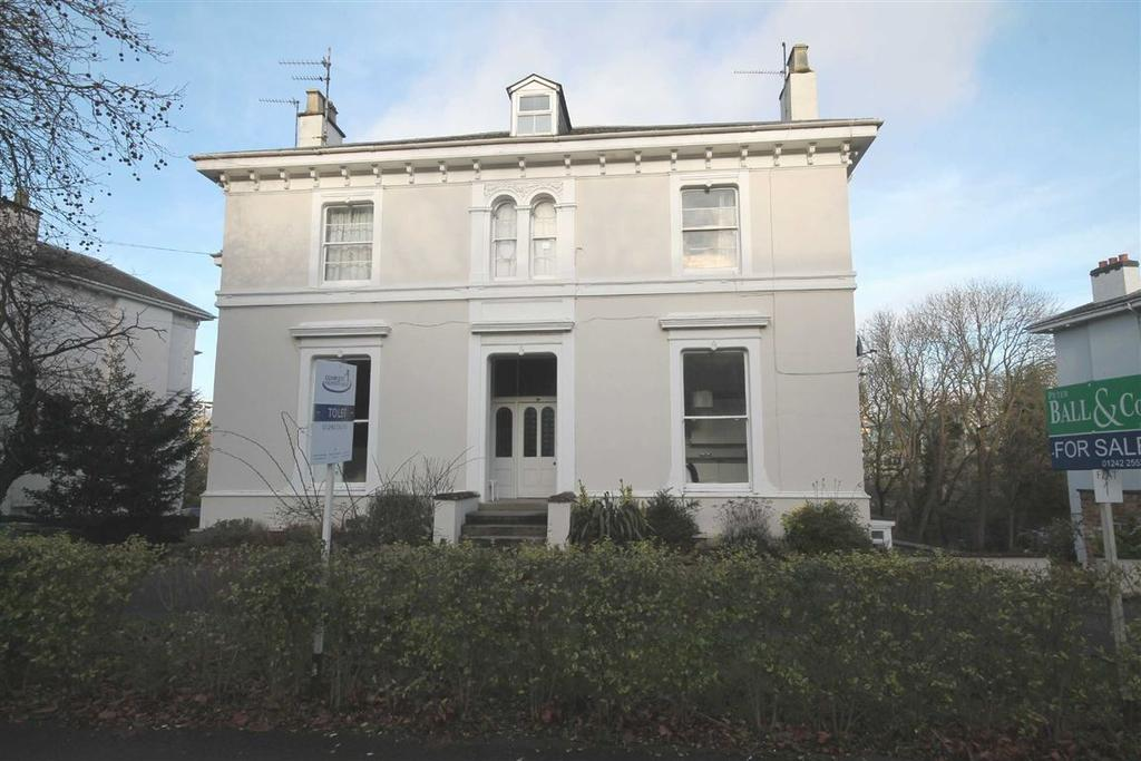 2 Bedrooms Flat for sale in St Georges Road, Cheltenham, GL50