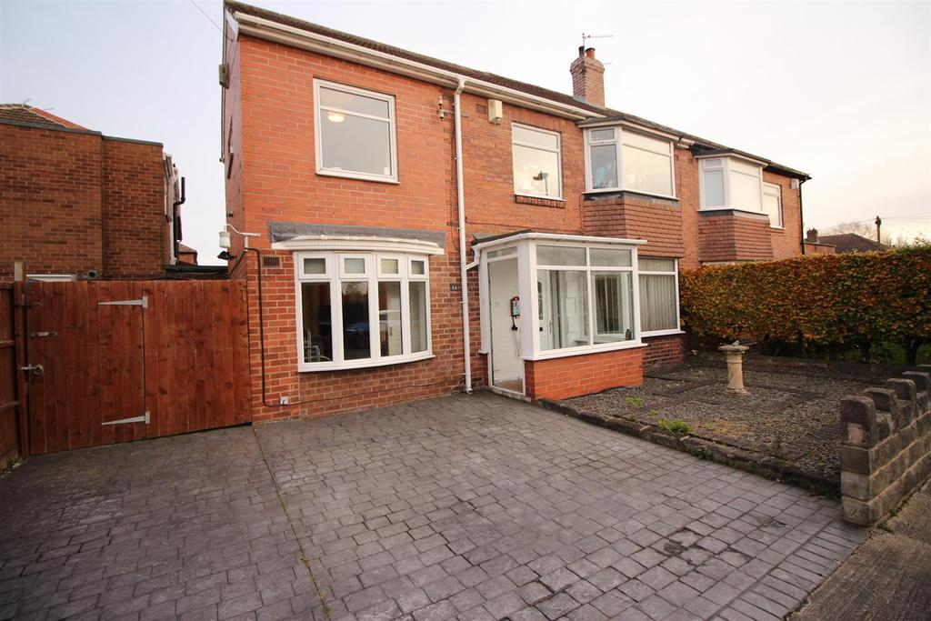 4 Bedrooms Semi Detached House for sale in Dovecote Road, Newcastle Upon Tyne
