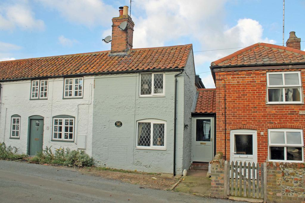 2 Bedrooms Cottage House for sale in The Street, Little London NR11