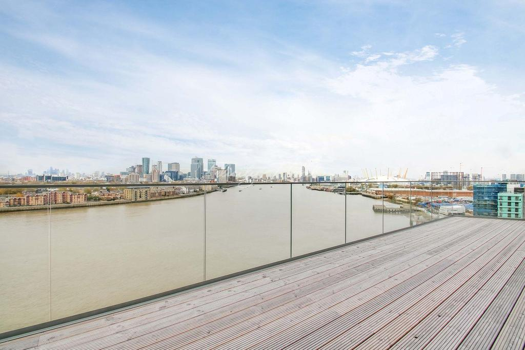 3 Bedrooms Flat for sale in Wyndham apartments, The River Gardens, SE10 0GA