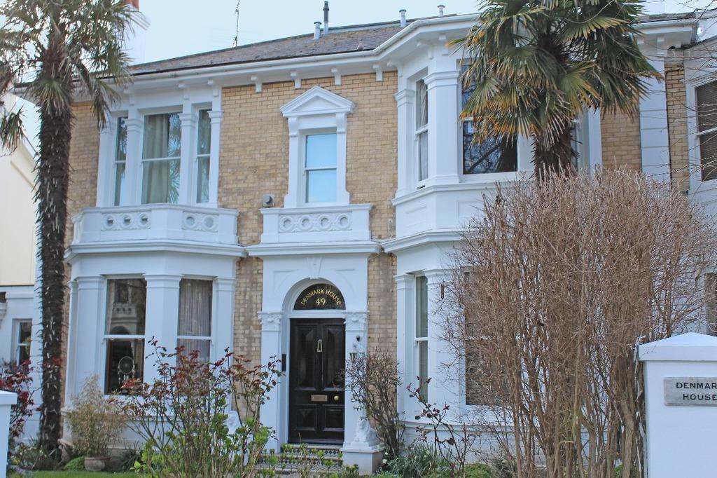 1 Bedroom Flat for sale in Denmark Villas Hove East Sussex BN3