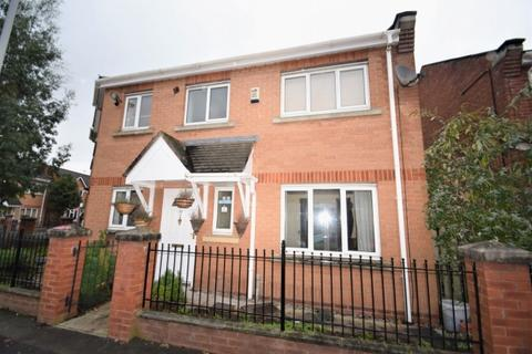 3 bedroom semi-detached house to rent - Ribston Street Hulme. M15 5rj Manchester