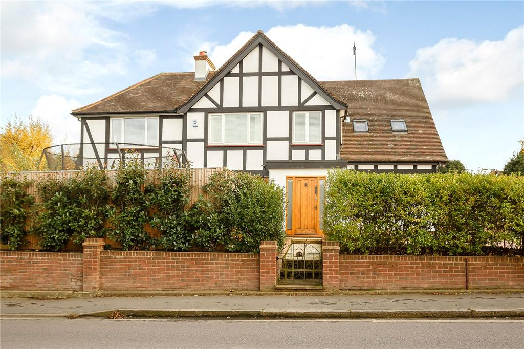 4 Bedrooms Detached House for sale in Station Road, Harpenden, Hertfordshire