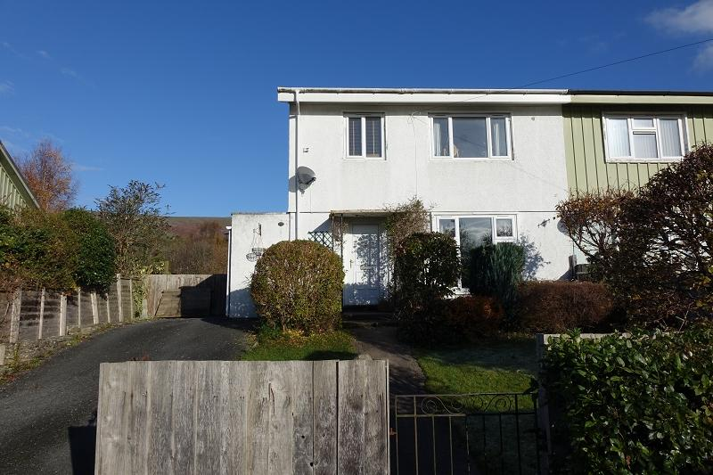 3 Bedrooms Semi Detached House for rent in Ffynnonau , Crickhowell, Powys.