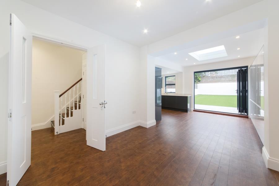 5 Bedrooms Terraced House for sale in Richmond Way, Shepherds Bush W12
