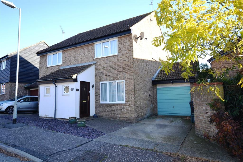 2 Bedrooms Semi Detached House for sale in Glendale, South Woodham Ferrers