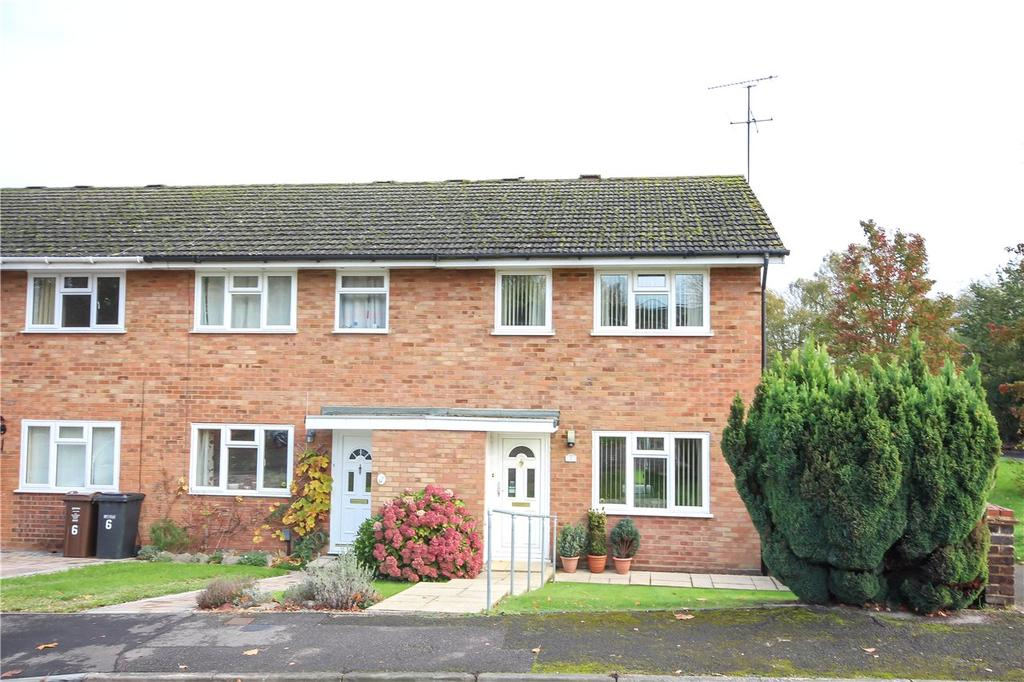 3 Bedrooms End Of Terrace House for sale in Hadleigh Court, Harpenden, Hertfordshire