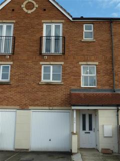 4 bedroom terraced house to rent - Stanks Drive, Leeds