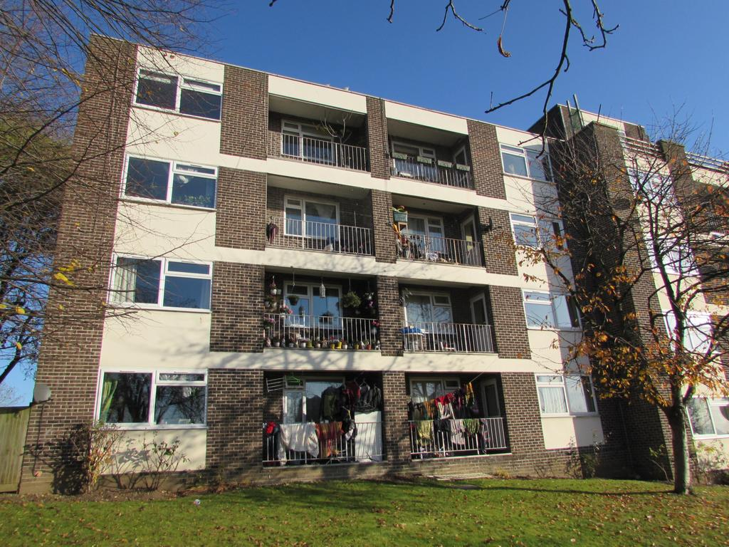 2 Bedrooms Flat for sale in Atherton Heights, Bridgewater Road, Wembey HA0