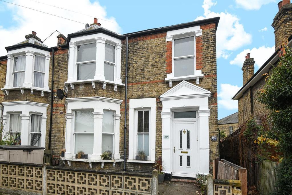 2 Bedrooms Flat for sale in Manor Lane, Lee