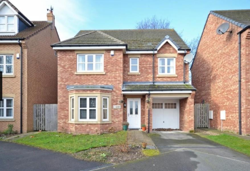 4 Bedrooms Detached House for sale in ROYAL TROON MEWS, WAKEFIELD, WF1 4JL