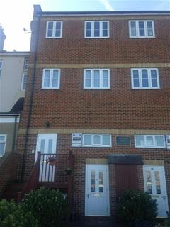 2 bedroom flat to rent - St. Eanswythe Way, Folkestone, Kent, CT20