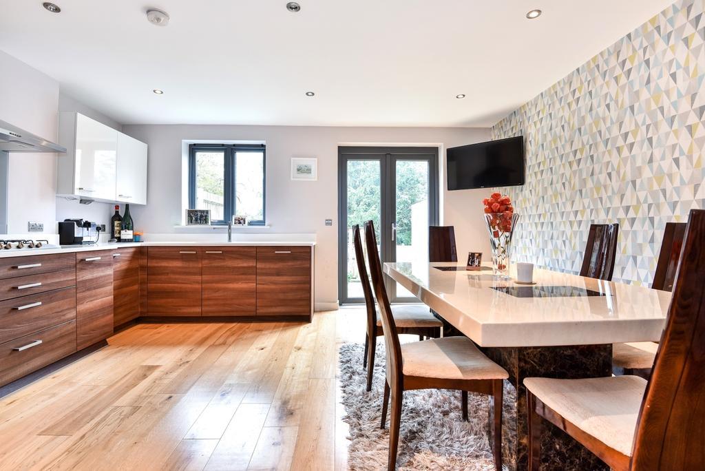 4 Bedrooms Town House for sale in Hamlyn Gardens London SE19