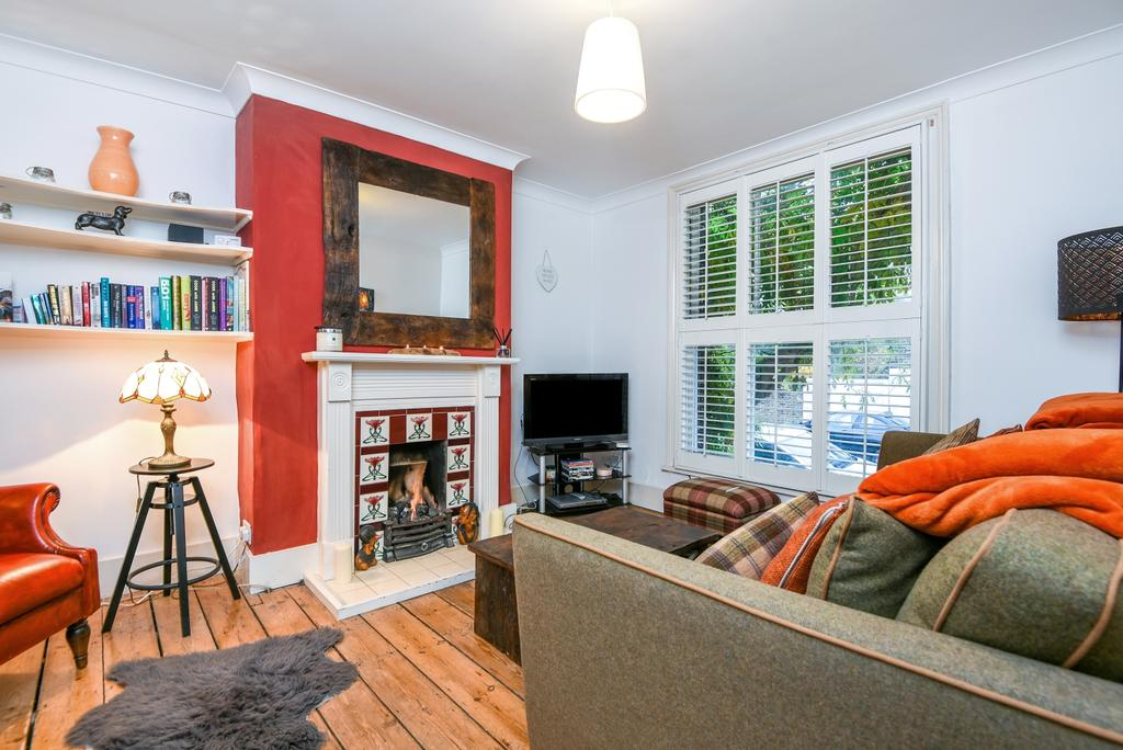 2 Bedrooms Terraced House for sale in Lizban Street London SE3
