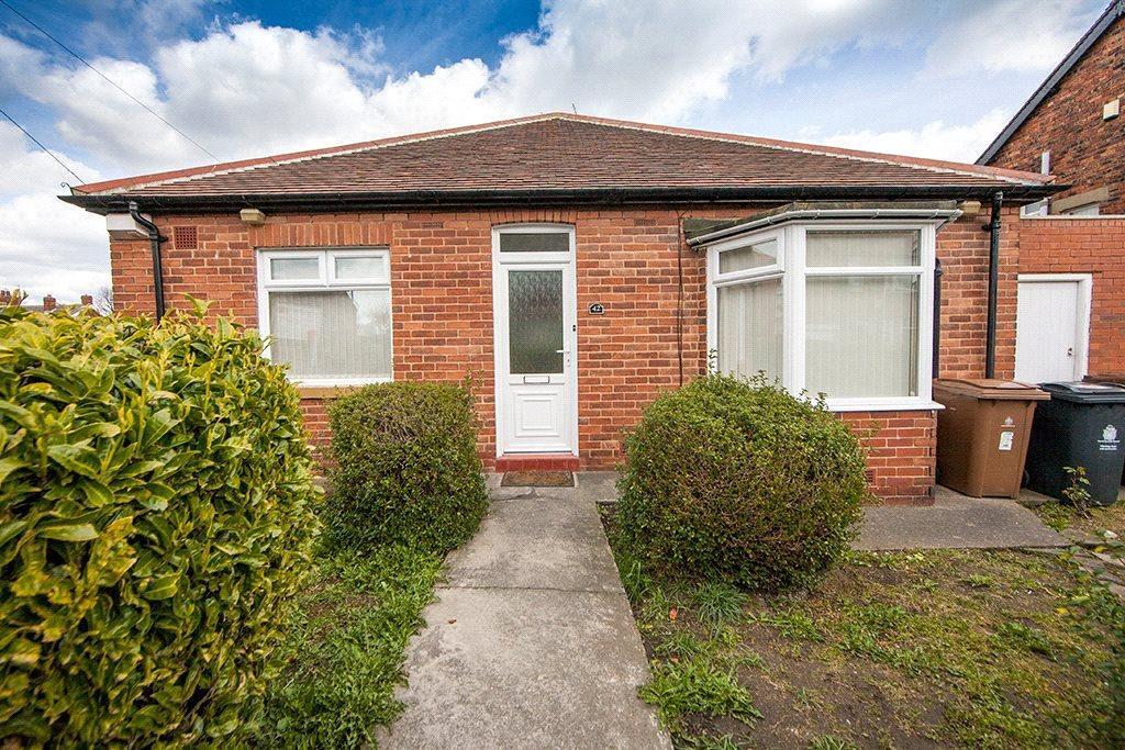 2 Bedrooms Semi Detached Bungalow for sale in Glanton Road, North Shields, NE29