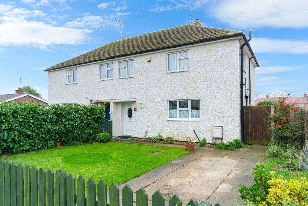 3 Bedrooms Semi Detached House for sale in The Broadway, Morton, Bourne, PE10