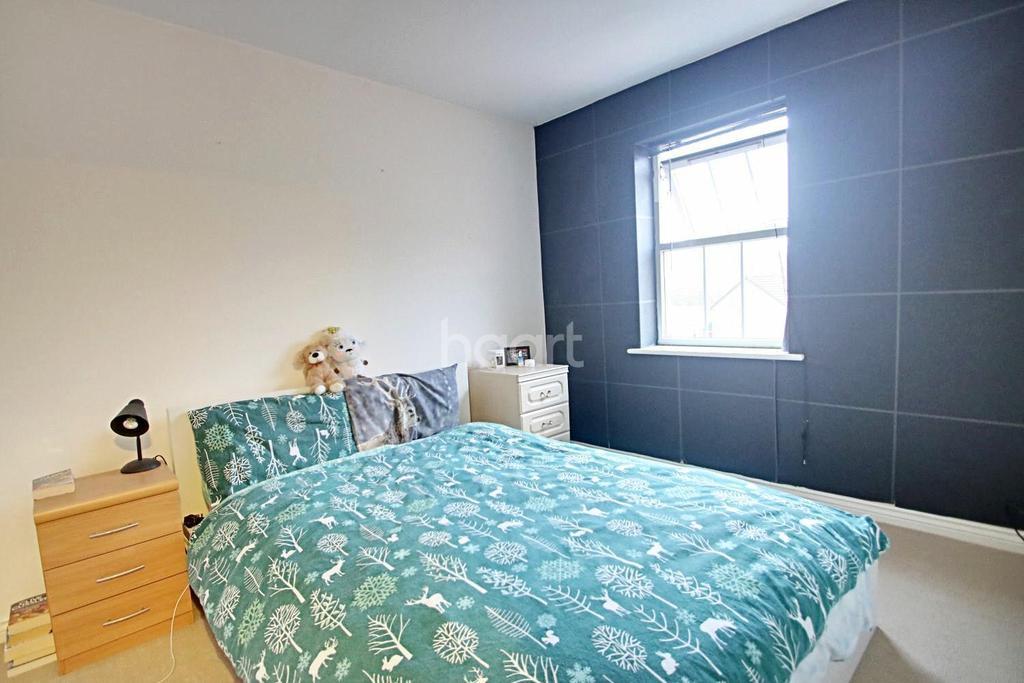 2 Bedrooms Flat for sale in Bodill Gardens, Hucknall