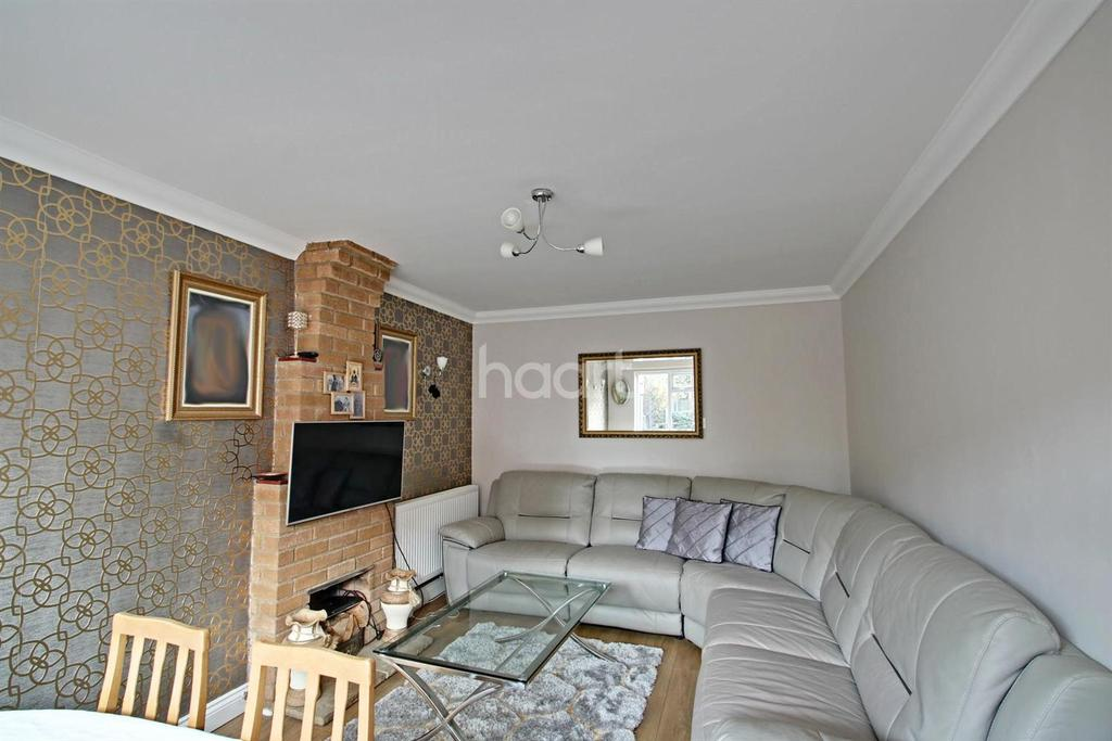 3 Bedrooms Detached House for sale in Foxhall Road, Ipswich