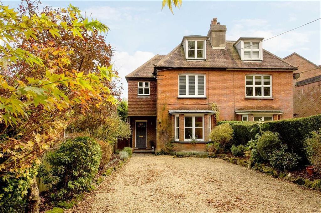 4 Bedrooms Semi Detached House for sale in Hammer Lane, Haslemere, Surrey, GU27
