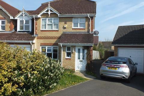 3 bedroom semi-detached house to rent - Robert Brundett Close, Ashford, Kent