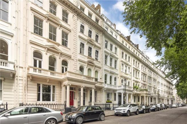 2 Bedrooms Flat for sale in Cornwall Gardens , South Kensington, London SW7