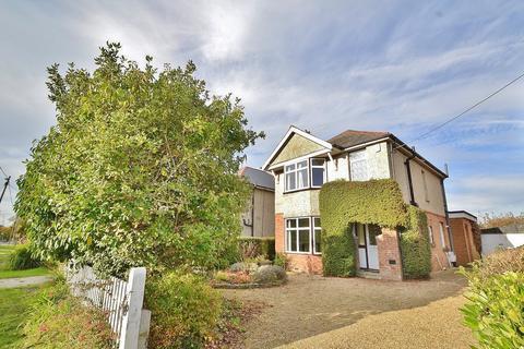 3 bedroom detached house for sale - Upton