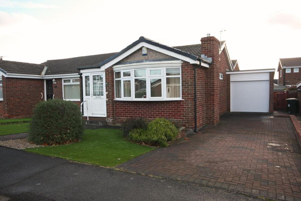 2 Bedrooms Semi Detached Bungalow for sale in Tantallon, Vigo, Birtley, Chester-le-Street DH3 2JD