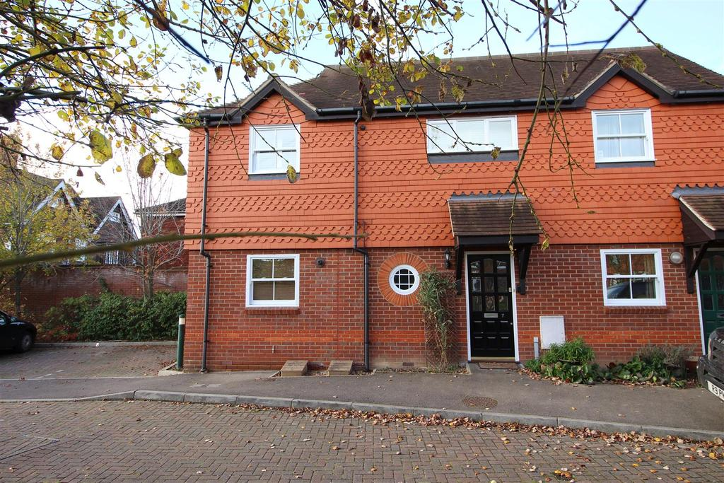 2 Bedrooms Apartment Flat for sale in Pangbourne Place, Pangbourne, Reading