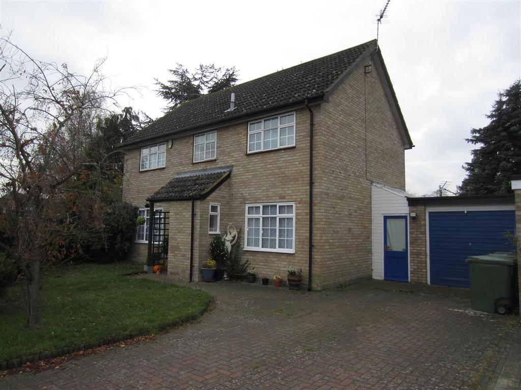4 Bedrooms Detached House for sale in Nunnery Drive, Thetford