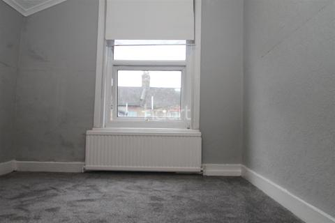 1 bedroom house share to rent - Compton Road E6