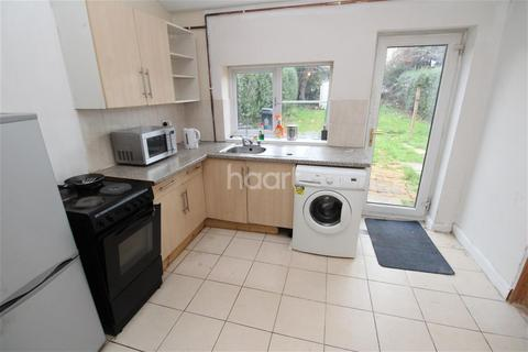 2 bedroom semi-detached house to rent - Leicester