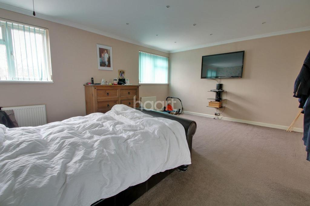 2 Bedrooms Terraced House for sale in Basildon