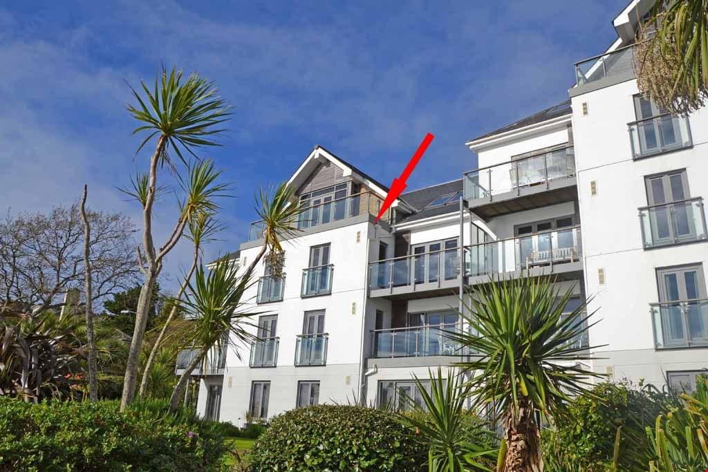 3 Bedrooms Apartment Flat for sale in The Strand, Cliff Road, Falmouth, South Cornwall, TR11