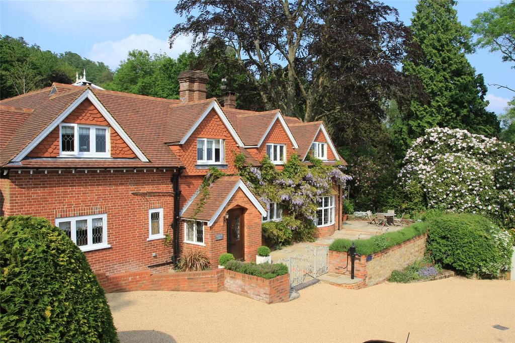 7 Bedrooms Equestrian Facility Character Property for rent in Horse Block Hollow, Cranleigh, Surrey, GU6