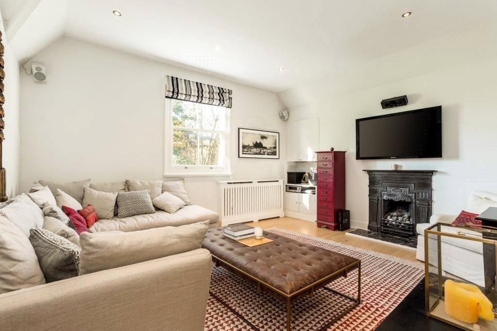 2 Bedrooms Flat for sale in Primrose Gardens, Belsize Park, London, NW3