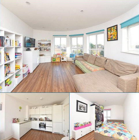 2 bedroom flat to rent - Randall House, 1A Sandringham Avenue, London, SW20