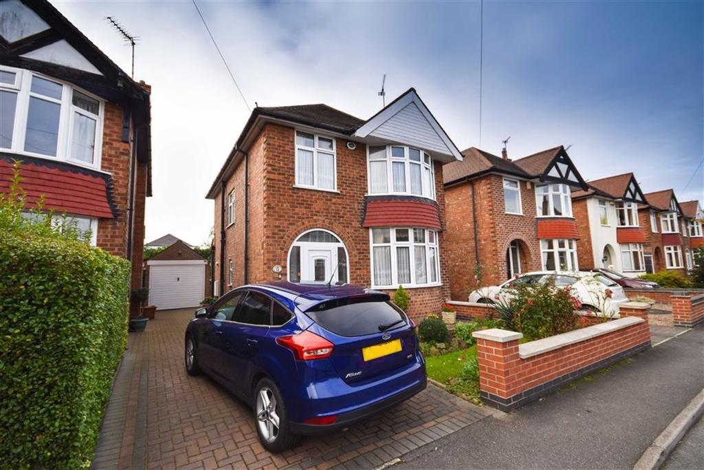 3 Bedrooms Detached House for sale in St Mawes Avenue, Wilford