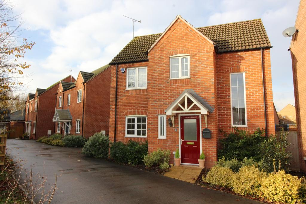 3 Bedrooms Detached House for sale in Frome Gardens, Bingham, Nottinghamshire NG13