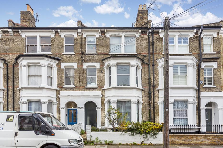 4 Bedrooms Terraced House for sale in Davisville Road, London W12
